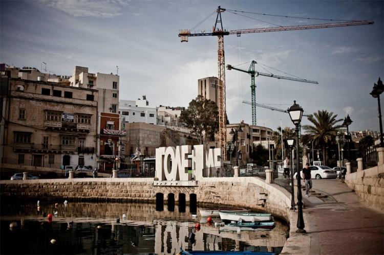 LOVE SCULPTURE, BALLUTA BAY, MALTA © HELEN JONES FLORIO