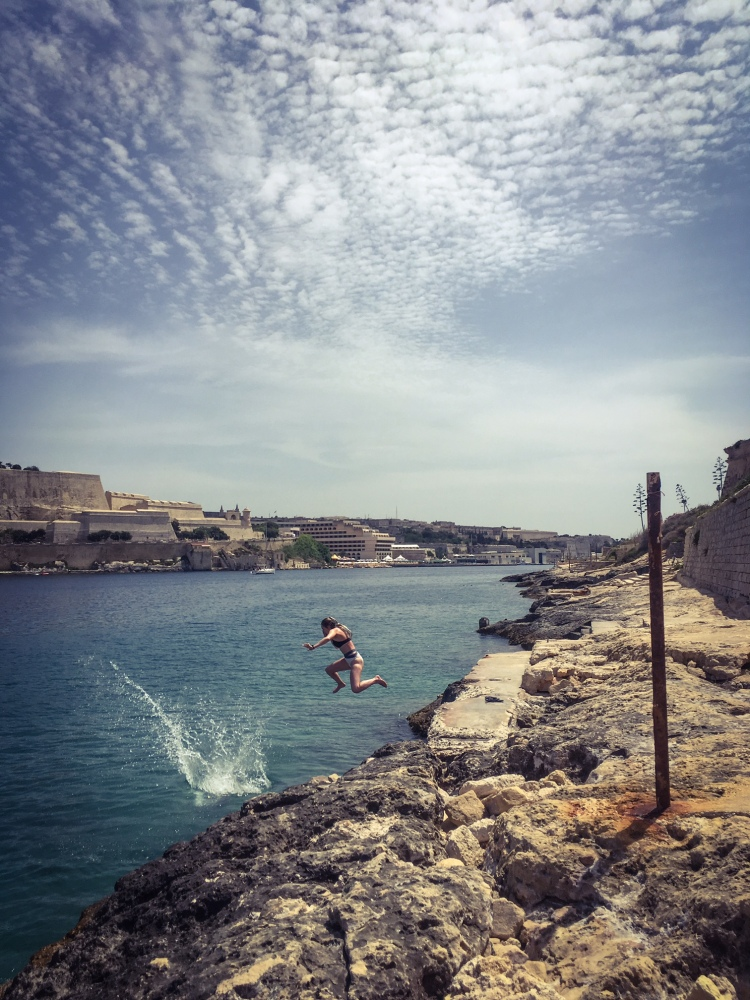 On the rocks - dive time, Manoel Island, Malta © Helen Jones-Florio