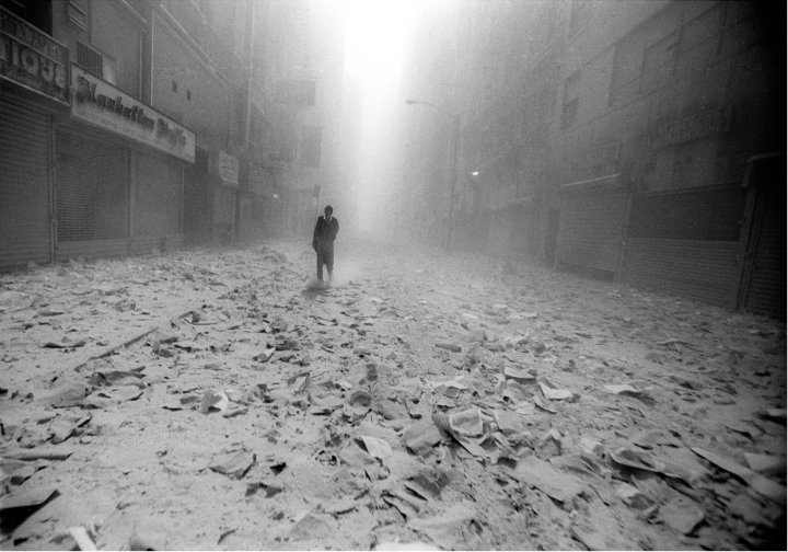 9/11/2001 – A man walks alone in the debris of the South Tower, just a few minutes before the North Tower begins to fall, NYC © Jason Florio