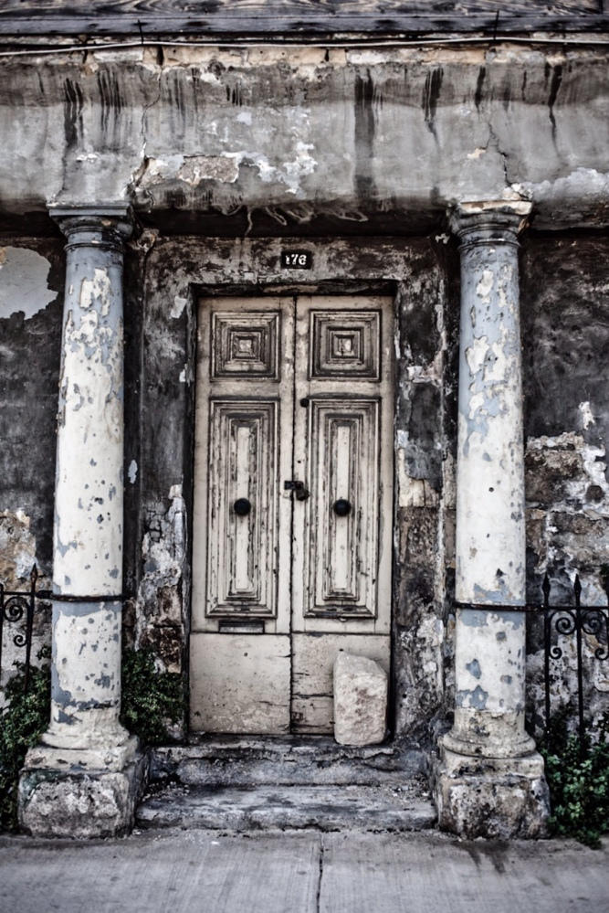 Disappearing Malta Series - badly decaying front door of a house of character, Gzira, Malta ©Helen Jones-Florio