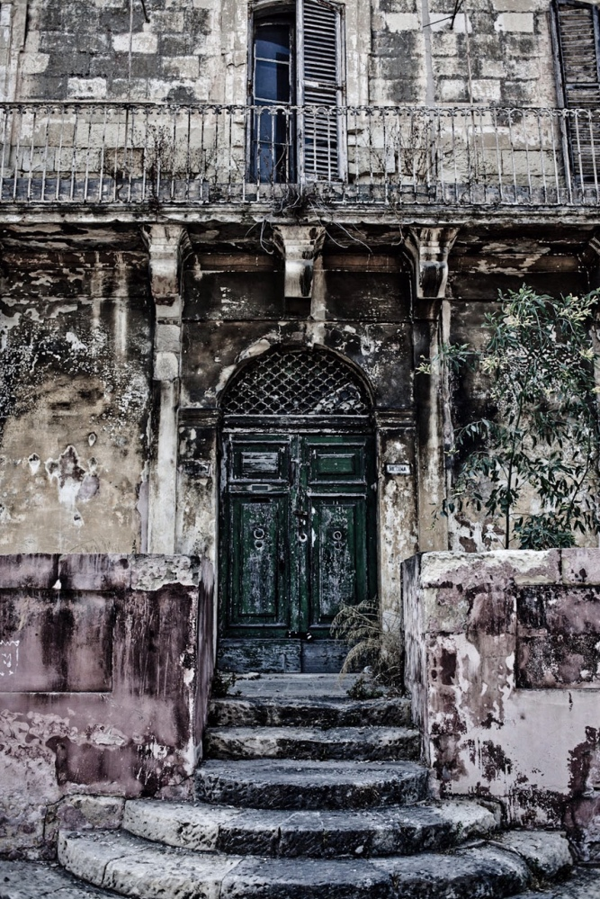 Disappearing Malta Series - badly decaying facade of a house of character, Gzira, Malta ©Helen Jones-Florio
