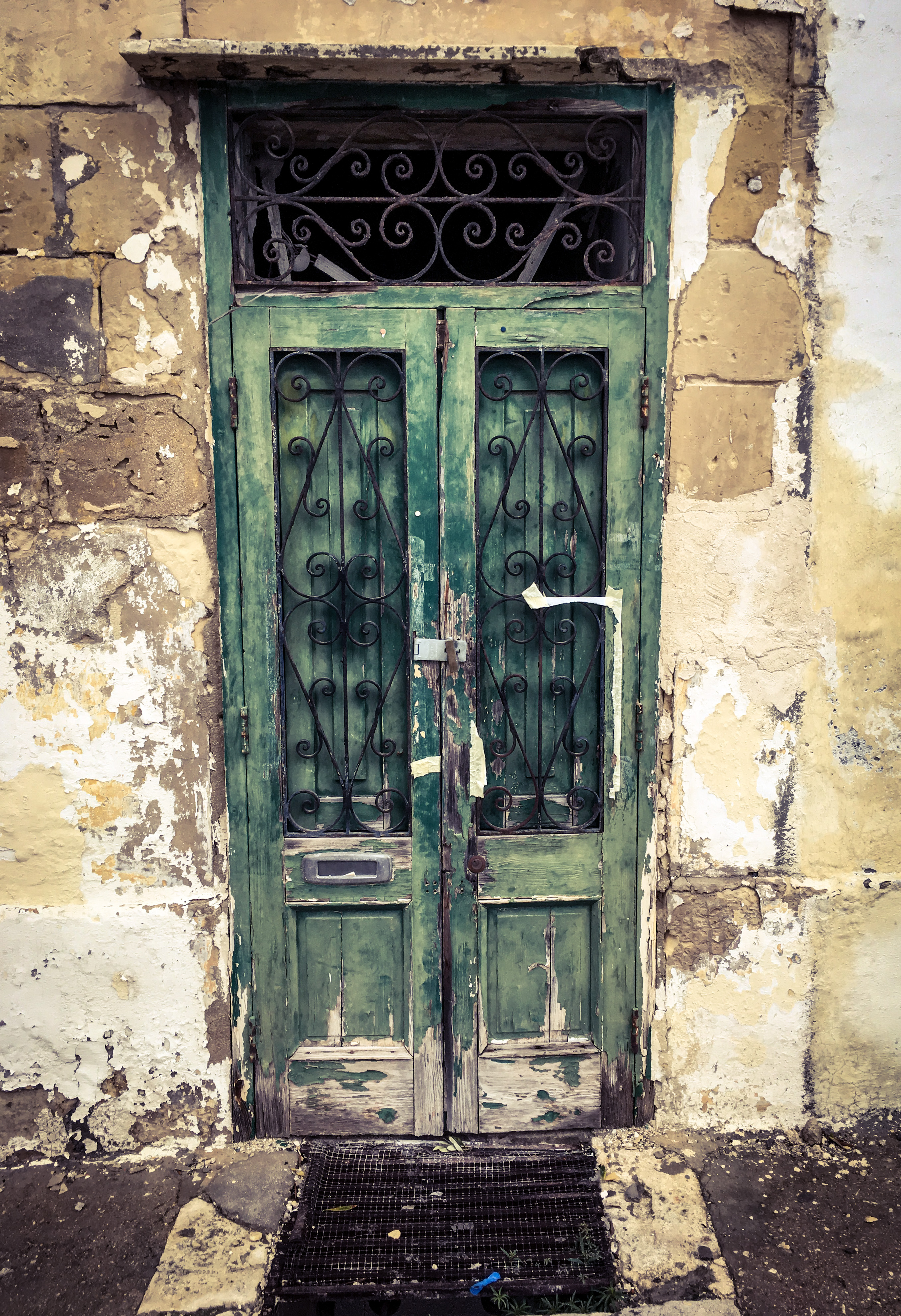Old doorway, Msida, Malta ©Helen Jones-Florio