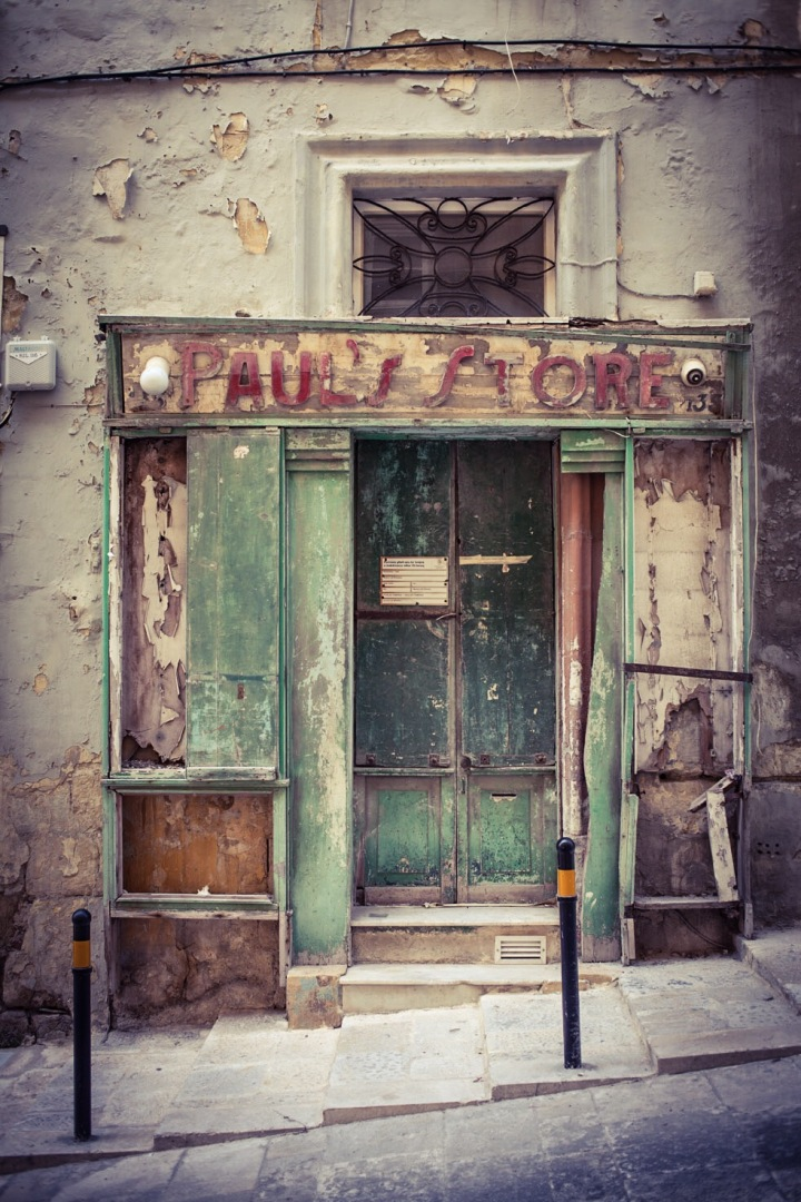 'Paul's Store', vintage storefront, St Christopher St, Valletta. Image ©Helen Jones-Florio