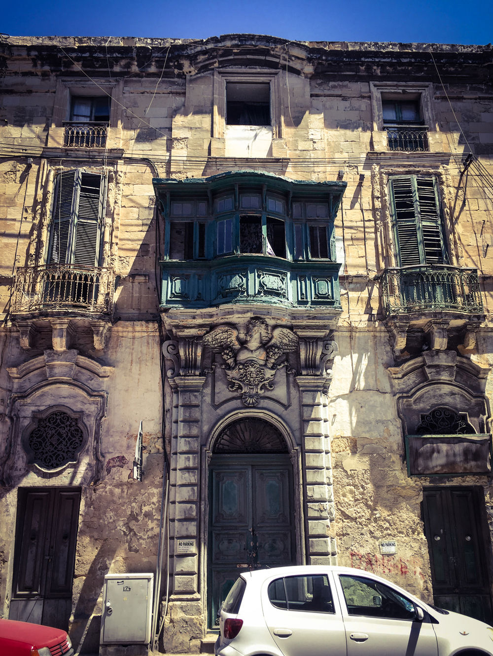 Derelict facade of an old house of character, Triq San Pawl, Bormla, Malta © Helen Jones-Florio