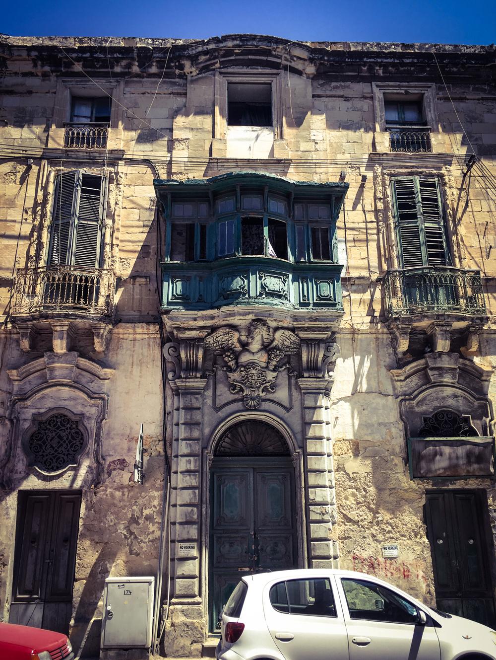 Derelict facade of an old house of character, Triq San Pawl, Bormla, Malta © Helen Jones-Florio