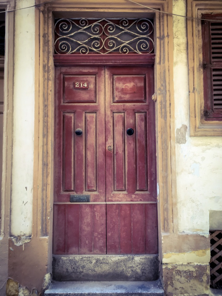 ld red door, Bormla, Malta ©Helen Jones-Florio