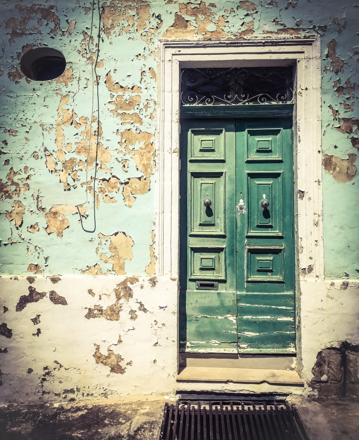 Green door, Sliema, Malta ©Helen Jones-Florio from #DisappearingMalta #MaltaDoors